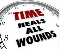 Ο χρόνος θεραπεύει όλο το ρητό ρολογιών πληγών - συγχώρεση των διαφωνιών απεικόνιση αποθεμάτων