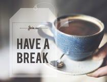 Ο χρόνος καφέ τσαγιού σπασιμάτων χαλαρώνει την έννοια Στοκ φωτογραφία με δικαίωμα ελεύθερης χρήσης