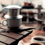 Ο χρόνος καφέ, χαλαρώνει τη στιγμή στη βροχερή ημέρα Στοκ Φωτογραφίες