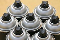 Ο ψεκασμός μπορεί στην εργασία βιομηχανίας, lubricator μπορεί για την εργασία βιομηχανίας, το χρώμα μπορεί μέσα και ψεκάζοντας ή  Στοκ Εικόνα