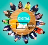 Ο ψηφιακός υπολογιστής Διαδικτύου τεχνολογίας συσκευών συνδέει την έννοια στοκ εικόνες με δικαίωμα ελεύθερης χρήσης
