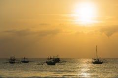 Ο ωκεανός στο ηλιοβασίλεμα, νησί Boracay, Φιλιππίνες Στοκ Εικόνα