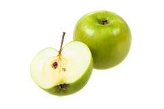 Ολόκληρο και μισό μήλο Στοκ εικόνες με δικαίωμα ελεύθερης χρήσης