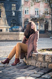 ο όμορφος βράχος κοριτσ&iot Στοκ εικόνες με δικαίωμα ελεύθερης χρήσης