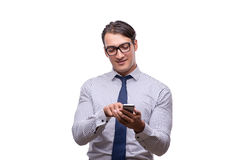 Ο όμορφος επιχειρηματίας που εργάζεται το κινητό τηλέφωνο που απομονώνεται με στο λευκό Στοκ φωτογραφίες με δικαίωμα ελεύθερης χρήσης
