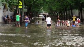 Οδός κάτω από την πλημμύρα απόθεμα βίντεο