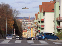 Οδός με τα αυτοκίνητα στη Βιέννη Στοκ φωτογραφίες με δικαίωμα ελεύθερης χρήσης