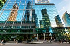 Οδός με τους ουρανοξύστες στην Μόσχα-πόλη Στοκ Φωτογραφία