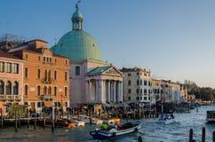 Οδός με το SAN Simeone Piccolo στη Βενετία Στοκ Φωτογραφίες