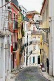 Οδός στην παλαιά πορτογαλική πόλη Στοκ Εικόνες