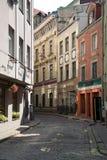 Οδός στην παλαιά Ρήγα στοκ εικόνες με δικαίωμα ελεύθερης χρήσης