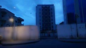 Οδός στο κέντρο πόλεων στο χρόνο αυγής φιλμ μικρού μήκους