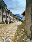 Οδός στο χωριό Gruyeres, Fribourg, Ελβετία Στοκ Φωτογραφία
