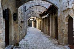 Οδός της μεσαιωνικής πόλης της Ρόδου Στοκ φωτογραφία με δικαίωμα ελεύθερης χρήσης