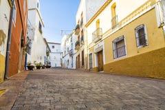 Οδός της παλαιάς πόλης στο κέντρο Calpe Αλικάντε Ισπανία Στοκ Εικόνες