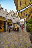 Οδός τουριστών του διάσημου παζαριού Madinat Jumeirah στοκ εικόνα με δικαίωμα ελεύθερης χρήσης
