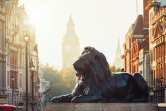 Οδός του Λονδίνου στην ανατολή στοκ φωτογραφία με δικαίωμα ελεύθερης χρήσης