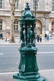 Οδός του Saint-Michel στο λατινικό τέταρτο του Παρισιού Γαλλία στοκ φωτογραφία με δικαίωμα ελεύθερης χρήσης