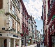 Οδός rue de Ησπανία Bayonne Aquitaine, Γαλλία στοκ φωτογραφίες με δικαίωμα ελεύθερης χρήσης