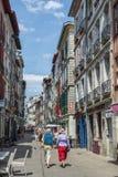 Οδός rue de Ησπανία Bayonne Aquitaine, Γαλλία στοκ εικόνα με δικαίωμα ελεύθερης χρήσης