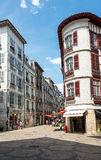 Οδός rue Victor Hugo Bayonne Aquitaine, Γαλλία στοκ εικόνες με δικαίωμα ελεύθερης χρήσης