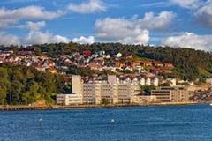ο λόφος πόλεων στεγάζει το πάρκο λιμνών Στοκ εικόνα με δικαίωμα ελεύθερης χρήσης
