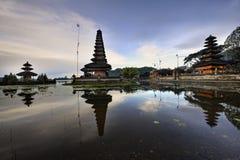 ο bratan ναός pura danu του Μπαλί ulun ποτίζ&ep Στοκ Εικόνες