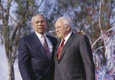 Ο Colin Powell και ο Dick Cheney σε μια εκστρατεία του Μπους/Cheney συναθροίζουν στο Costa Mesa, ασβέστιο, το 2000 Στοκ Εικόνες