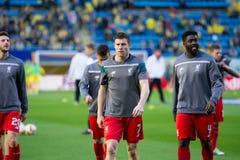 Ο James Milner θερμαίνει πριν από τη ημιτελική αντιστοιχία ένωσης της Ευρώπης μεταξύ Villarreal του ΘΦ και του Λίβερπουλ FC Στοκ Φωτογραφία