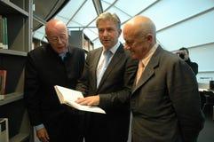 Ο Sir Norman Foster, Dieter Lenzen, Klaus Wowereit στοκ εικόνες