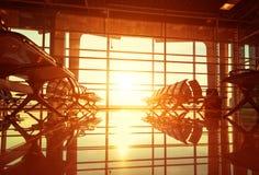 Πάγκοι στην αίθουσα του αερολιμένα Στοκ Εικόνες