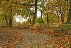 Πάγκοι στο πάρκο Στοκ εικόνες με δικαίωμα ελεύθερης χρήσης