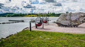 Πάγκος και μεγάλη πέτρα Στοκ Εικόνες