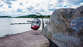 Πάγκος και μεγάλη πέτρα Στοκ Εικόνα