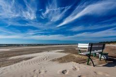 Πάγκος στην παραλία στοκ εικόνες