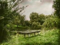 Πάγκος στη φύση Στοκ φωτογραφία με δικαίωμα ελεύθερης χρήσης