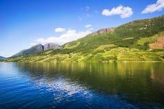 Πάγκος της Νορβηγίας με την άποψη Hardanger Fiord Στοκ Εικόνα