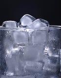 πάγος γυαλιού κύβων Στοκ εικόνα με δικαίωμα ελεύθερης χρήσης