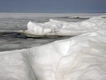 Πάγος-καλυμμένη λίμνη Baikal Άνοιξη Στοκ φωτογραφία με δικαίωμα ελεύθερης χρήσης