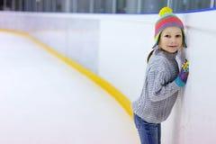 πάγος κοριτσιών λίγο πατι& Στοκ Φωτογραφία