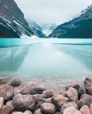 Πάγος που διαμορφώνει στη λίμνη Louis Στοκ φωτογραφίες με δικαίωμα ελεύθερης χρήσης