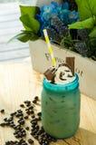 Πάγος coffe με το φραγμό σοκολάτας Στοκ φωτογραφία με δικαίωμα ελεύθερης χρήσης
