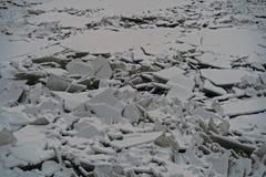Πάγος hummocks στον ποταμό Neva Στοκ Εικόνες