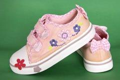 πάνινα παπούτσια κοριτσιών Στοκ Εικόνες