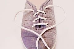 πάνινα παπούτσια με μια καρδιά Στοκ Εικόνες