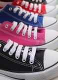 Πάνινα παπούτσια μποτών σφαιρών βάσεων αναδρομικά Στοκ Φωτογραφία