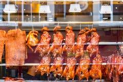 Πάπιες ψητού στην επίδειξη σε ένα κινεζικό εστιατόριο στο Λονδίνο Chinato Στοκ φωτογραφίες με δικαίωμα ελεύθερης χρήσης