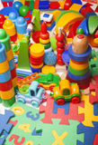 Πάρα πολλά παιχνίδια Στοκ εικόνα με δικαίωμα ελεύθερης χρήσης