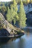 Πάρκο βουνών, μαρμάρινος απότομος βράχος, λίμνη Στοκ Φωτογραφία