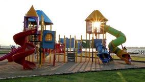 Πάρκο και παιδιά απόθεμα βίντεο